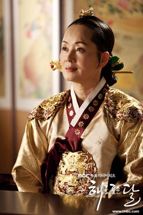 """""""Đổ gục"""" vì bộ phim hot nhất xứ Hàn - 12"""