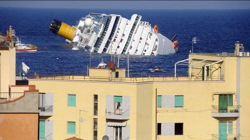 """Chùm ảnh tàu """"Titanic"""" lật nghiêng trên biển - 8"""