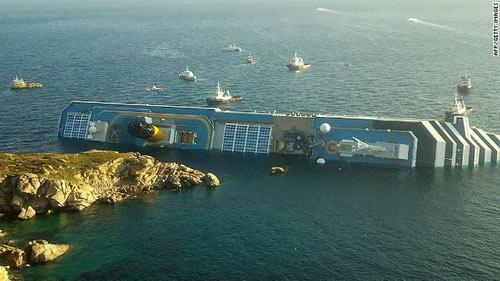 """Chùm ảnh tàu """"Titanic"""" lật nghiêng trên biển - 4"""