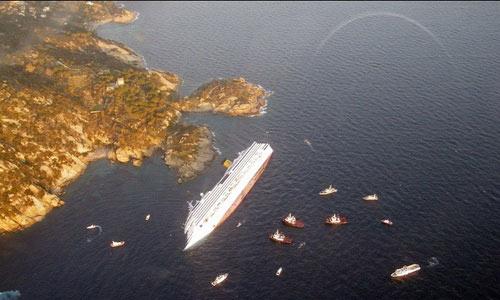 """Chùm ảnh tàu """"Titanic"""" lật nghiêng trên biển - 16"""
