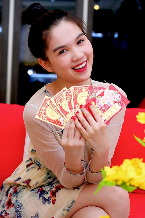 Ngày Tết của hoa hậu Ngọc Trinh - 1