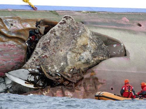 Chuyện tình Titanic 2012 như trong phim - 4