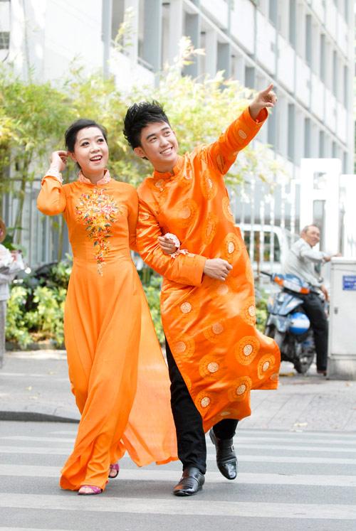Bạn trẻ Sài Gòn mê diện áo dài ngày Tết - 6