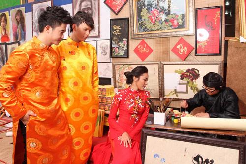 Bạn trẻ Sài Gòn mê diện áo dài ngày Tết - 3