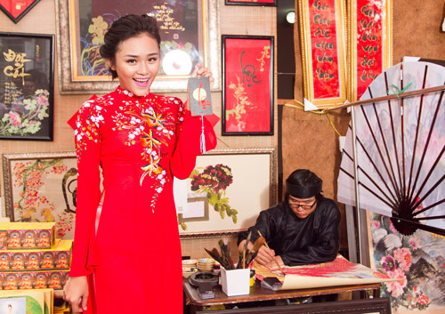 Bạn trẻ Sài Gòn mê diện áo dài ngày Tết - 2