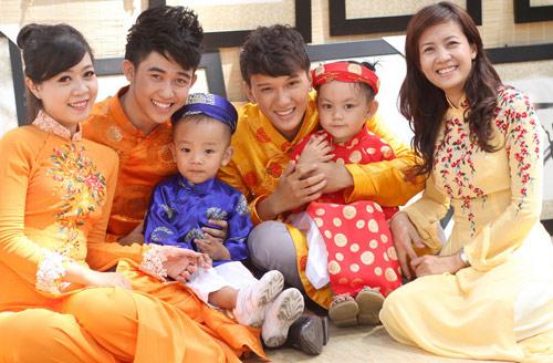 Bạn trẻ Sài Gòn mê diện áo dài ngày Tết - 14