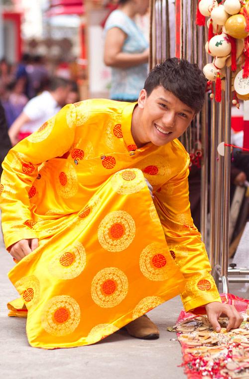 Bạn trẻ Sài Gòn mê diện áo dài ngày Tết - 9