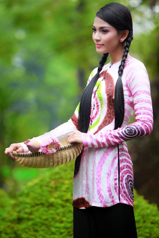 Trương Thị May hiền hòa với áo bà ba - 15