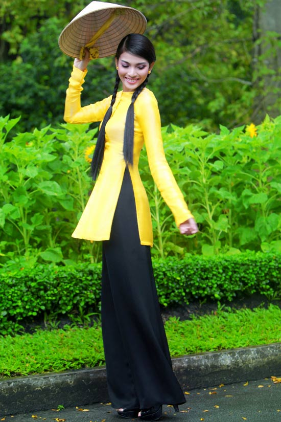 Trương Thị May hiền hòa với áo bà ba - 4