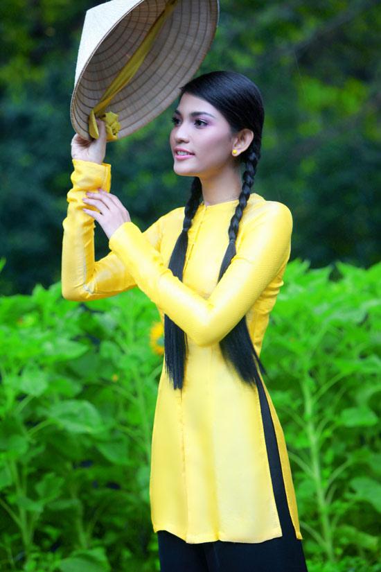 Trương Thị May hiền hòa với áo bà ba - 2
