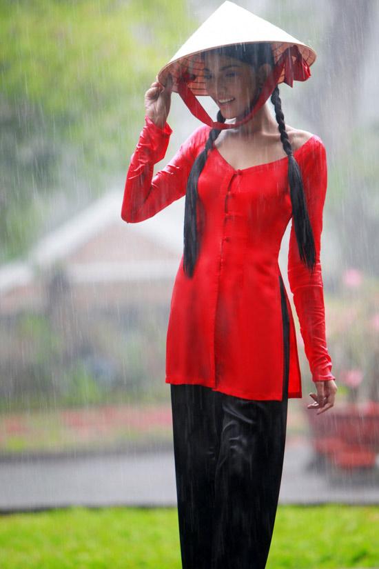 Trương Thị May hiền hòa với áo bà ba - 11