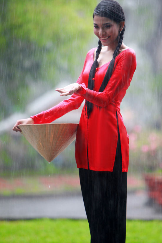 Trương Thị May hiền hòa với áo bà ba - 13