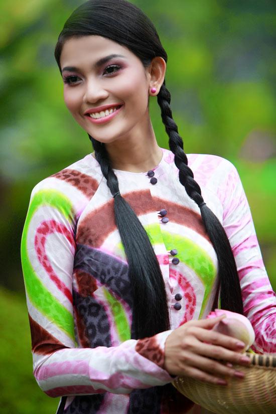 Trương Thị May hiền hòa với áo bà ba - 17
