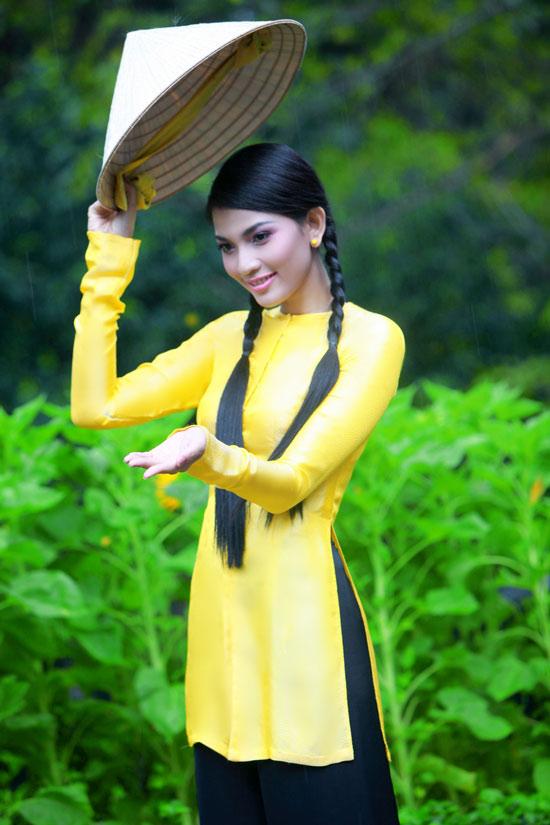 Trương Thị May hiền hòa với áo bà ba - 3