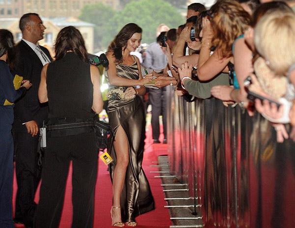 """Miranda Kerr bị lộ vị trí """"nhạy cảm"""" - 3"""