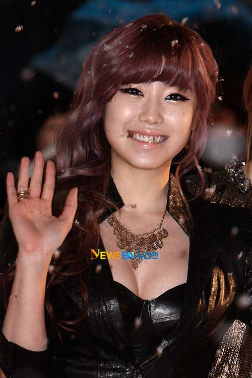 Beloved woman sexy despite the blizzard, Music - MTV, stars kpop, MBC Music festival, beloved woman kpop, 4minute, hyun ah, secret, rainbow, news