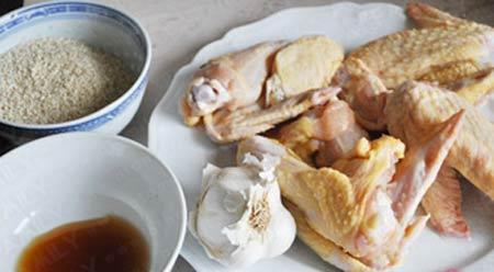 Cánh gà chiên tẩm mè vàng ươm - 1