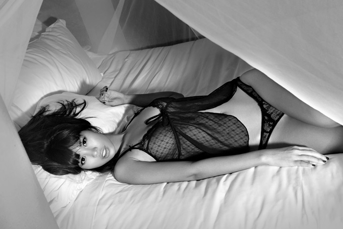 """Hà Anh """"hot"""" với váy ngủ mỏng manh - 3"""