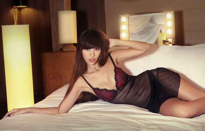 """Hà Anh """"hot"""" với váy ngủ mỏng manh - 5"""