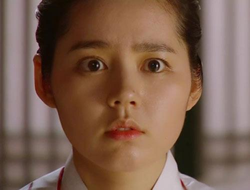 """Nàng """"mặt trăng"""" xứ Hàn gây tranh cãi - 2"""