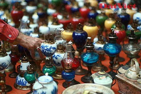 Dân chơi lùng sục đèn dầu cổ - 4
