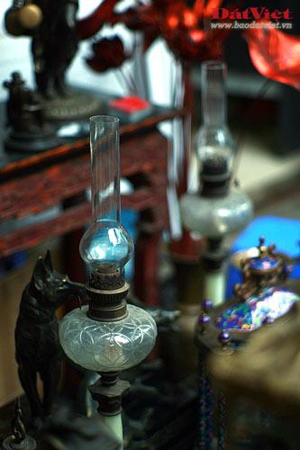 Dân chơi lùng sục đèn dầu cổ - 5
