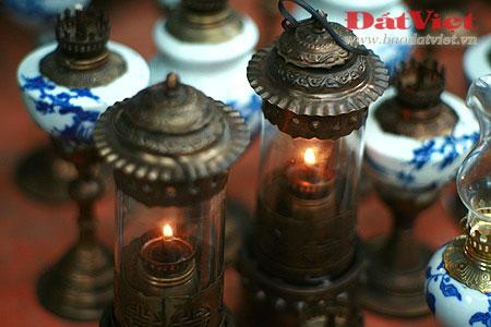 Dân chơi lùng sục đèn dầu cổ - 6