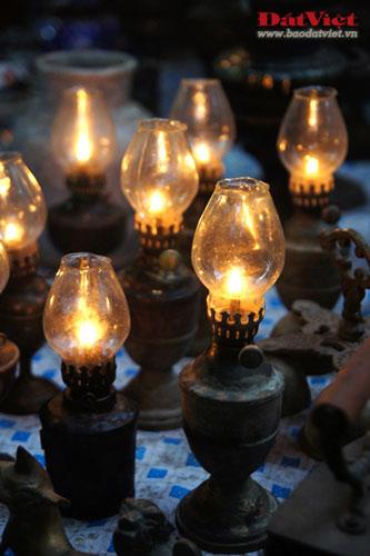 Dân chơi lùng sục đèn dầu cổ - 8