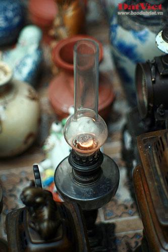 Dân chơi lùng sục đèn dầu cổ - 9
