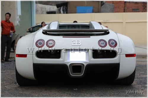 """""""Choáng"""" siêu xe Bugatti Veyron về Việt Nam - 11"""