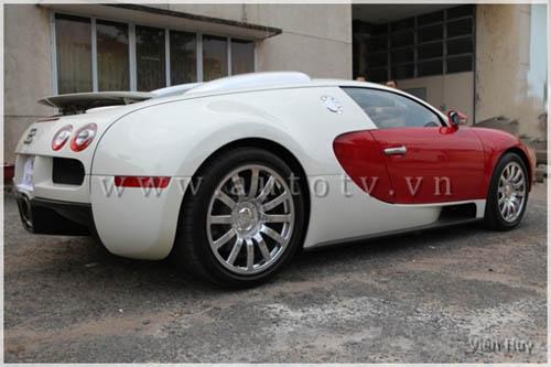 """""""Choáng"""" siêu xe Bugatti Veyron về Việt Nam - 12"""