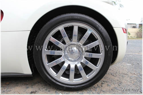 """""""Choáng"""" siêu xe Bugatti Veyron về Việt Nam - 15"""
