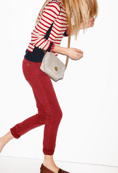 7 cách mặc đẹp với quần denim đỏ sành điệu - 15