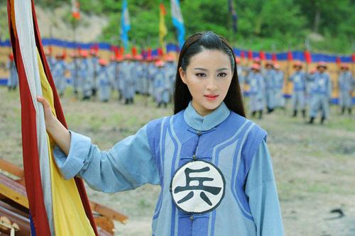 """Lâm Chí Linh hóa """"gái làng chơi"""" - 19"""