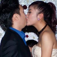 Lê Hiếu - Mai Hương công khai hôn nhau