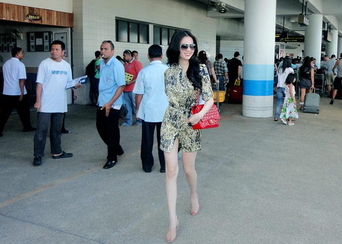 """Ngọc Trinh """"hot"""" tại Thái Lan - 12"""