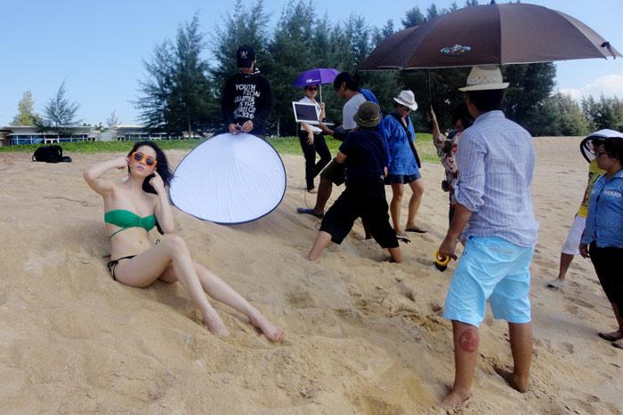 """Ngọc Trinh """"hot"""" tại Thái Lan - 1"""