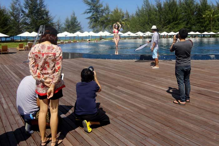 """Ngọc Trinh """"hot"""" tại Thái Lan - 2"""