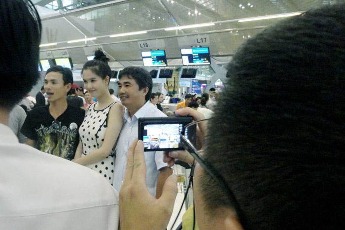 """Ngọc Trinh """"hot"""" tại Thái Lan - 11"""