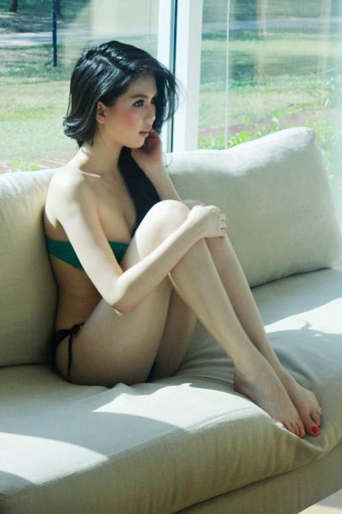 """Ngọc Trinh """"hot"""" tại Thái Lan - 3"""