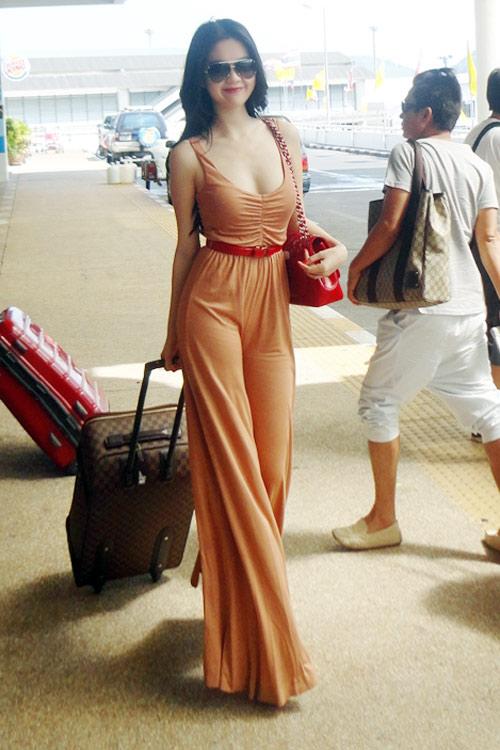 """Ngọc Trinh """"hot"""" tại Thái Lan - 13"""