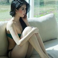 """Ngọc Trinh """"hot"""" tại Thái Lan"""