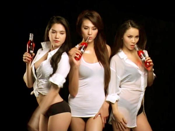 Hoàng Yến, Yến Trang, Ngọc Trinh gây sốc - 16