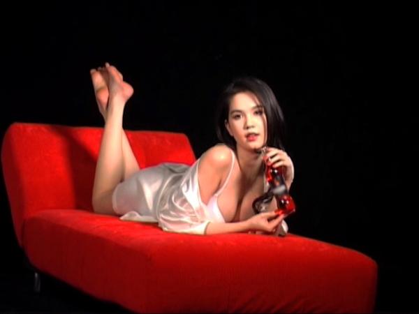 Hoàng Yến, Yến Trang, Ngọc Trinh gây sốc - 5