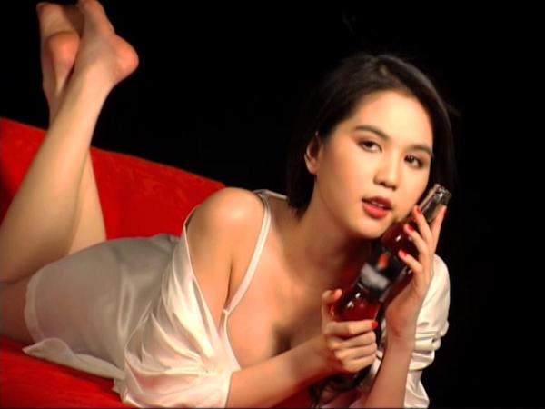 Hoàng Yến, Yến Trang, Ngọc Trinh gây sốc - 6
