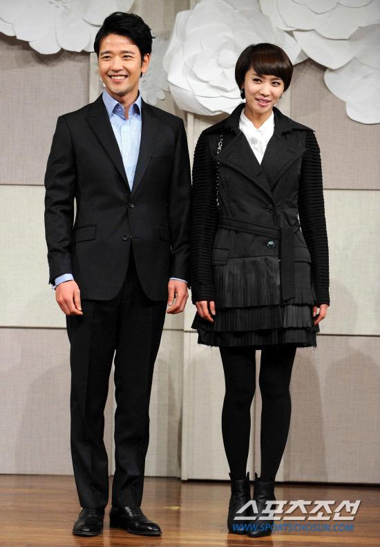 Sao Hàn nhộn nhịp tới dự đám cưới Go Soo - 5
