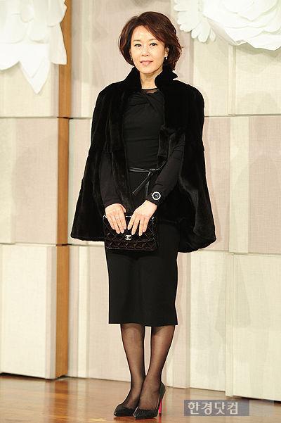 Sao Hàn nhộn nhịp tới dự đám cưới Go Soo - 16