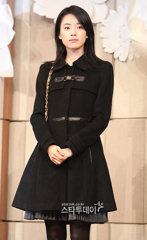 Sao Hàn nhộn nhịp tới dự đám cưới Go Soo - 6