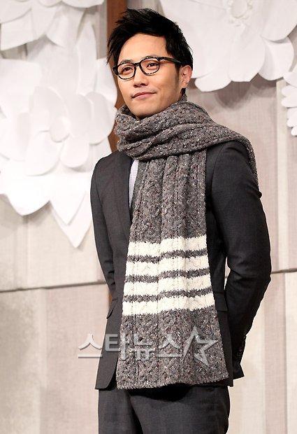 Sao Hàn nhộn nhịp tới dự đám cưới Go Soo - 9