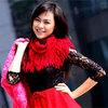 Linh Hàn nổi bật với sắc đỏ, hồng